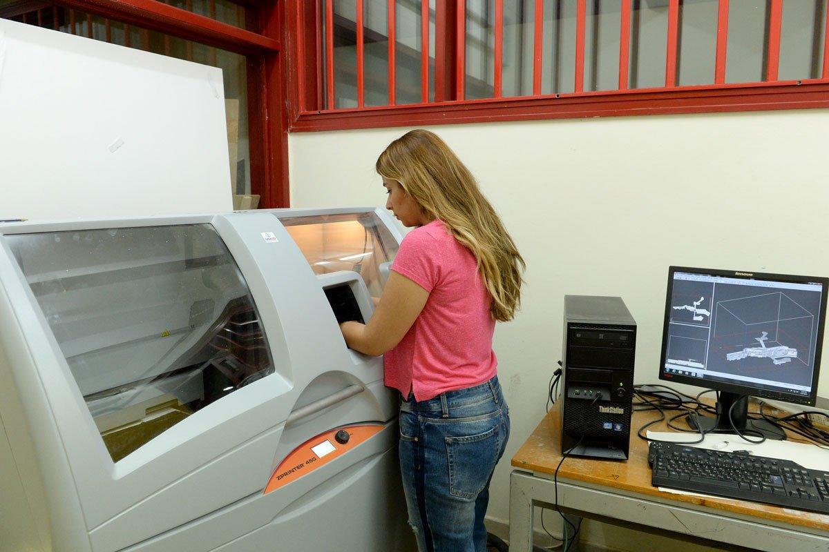 facilities-silkscreen-lab.jpg
